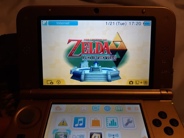 Nintendo 3DS XL Zelda Gold Edition 32gb upgrade with game!!!!