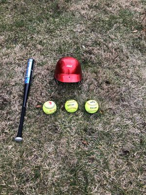 Soft ball equipment for Sale in Wyandanch, NY