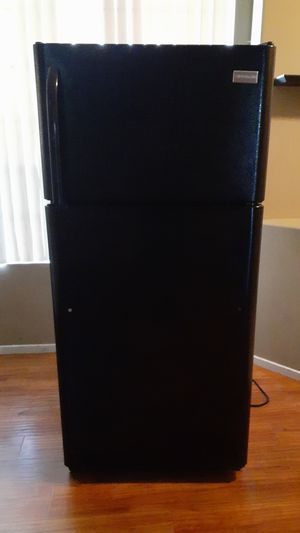 Refrigerator need gone ASAP TODAY for Sale in Stockton, CA
