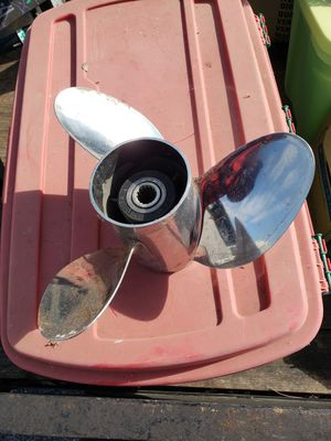 Stainless steel propeller for 150hp on up Johnson and Evinrude outboard motors for Sale in San Antonio, TX