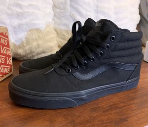 $50 Women's Vans Hi-Top Shoe Brand New Size 6 for Sale in Sacramento, CA