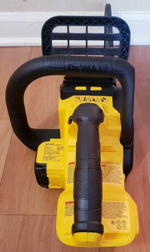 NEW DEWALT XR CHAINSAW 20V TOOL ONLY for Sale in Elmhurst, IL