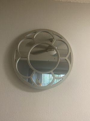Round decorative mirror for Sale in Hayward, CA