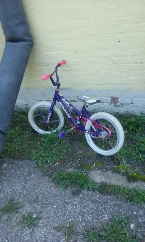 Girl bike for Sale in Cleveland, OH