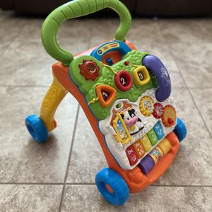 Vtech Sit and Stand Learning Walker for Sale in Gilbert, AZ