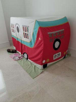 Camping tent // Tienda de acampar for Sale in Miami, FL