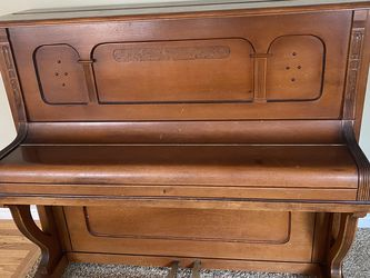 Free Upright Piano for Sale in Puyallup,  WA