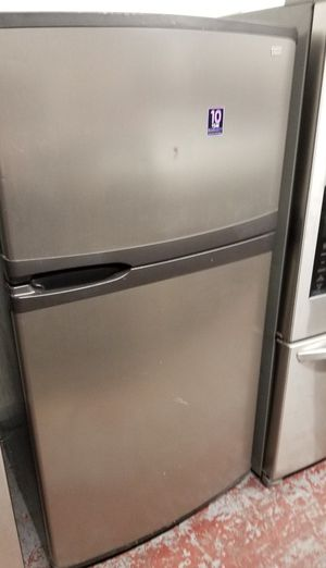 Kenmore refrigerator top and bottom for Sale in San Antonio, TX
