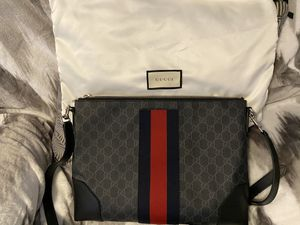 Gucci GG messenger bag for Sale in Fresno, CA