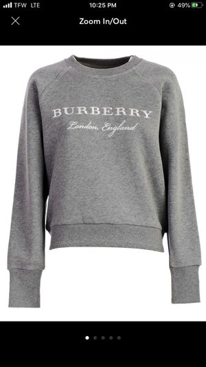 Burberry crew neck women's sweatshirt for Sale in Everett, WA