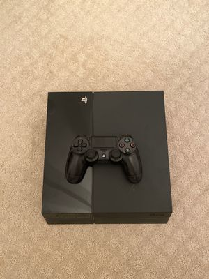 Ps4 with controller and wires for Sale in Fairfax Station, VA
