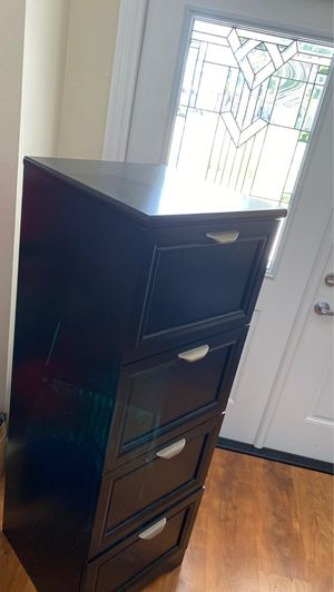 4 drawer filing cabinet - wood for Sale in Tampa, FL