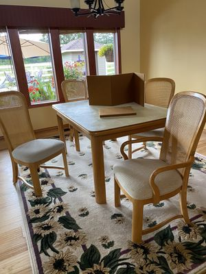 Dining table for Sale in Bend, OR