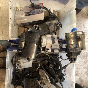 Mid 90s Chevy Engine Parts for Sale in Ravensdale, WA