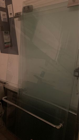 Standard tub glass shower doors for Sale in Casselberry, FL