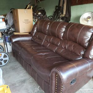 2 Very Nice Leather Couches for Sale in Vallejo, CA