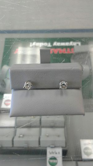 Diamond earring's for Sale in Victoria, TX
