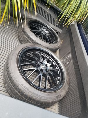 18inch rims and tires bought them dont fit the car I got for Sale in BELLEAIR BLF, FL