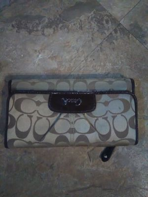 Authentic coach wallet and checkbook holder for Sale in Eastpointe, MI