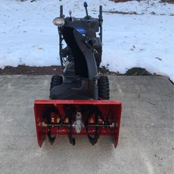 Toro Power Max Heavy Duty 826OXE for Sale in Jamesburg,  NJ