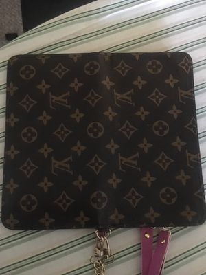 Louis Vuitton wristlet for Sale in Sterling Heights, MI