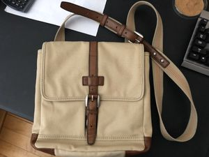 Fossil city bag adjustable strap messenger crossbody canvas for Sale in Boston, MA