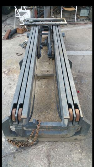 Forklift Masts - 3 Stage for Sale in Los Angeles, CA