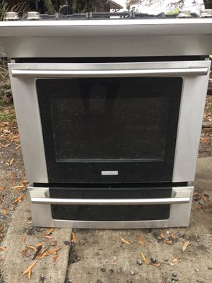 ELECTROLUX stainless gas range/ one year warranty for Sale in Durham, NC