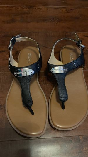 Michael Kors sandals $15 size 6 for Sale in Riverside, CA