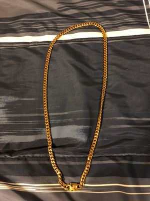 18k gold plated Cuban chain brand new condition for Sale in Fort Bliss, TX