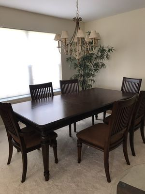 Dinning table and chairs for Sale in Naperville, IL