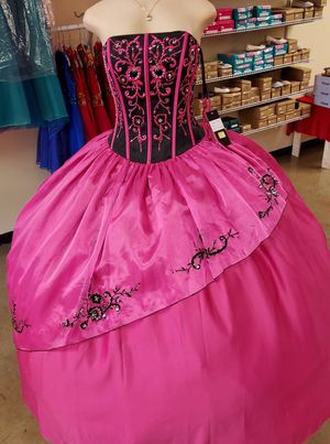 Quinceañeras dresses . for Sale in Houston, TX
