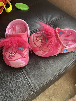 Trolls Toddler Crocs size 7 ! ••great Condition ••••• for Sale in Fort McDowell, AZ