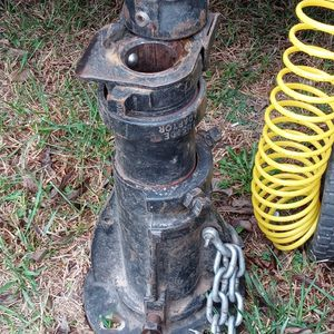 Gossneck Adapter Around 500 New Ill Take 200 for Sale in Earlsboro, OK
