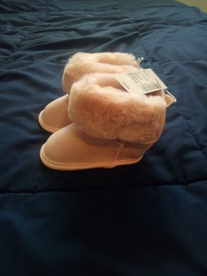 NEW!BABY GIRL PINK FAUX FUR BOOTS(6-12MONTHS) for Sale in Atlanta, GA