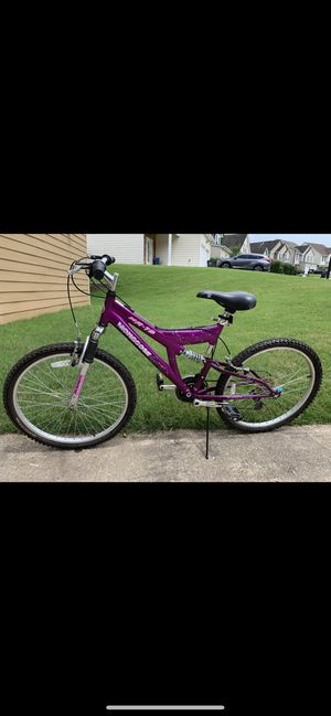 Mongoose XR-75 mountain bike purple 26 inches , like NEW CONDITION for Sale in Cumming, GA