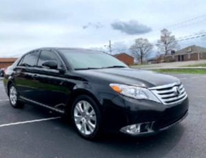Good tires 2011 Avalon  for Sale in Davenport, IA