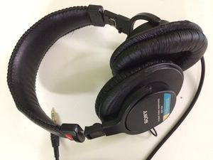 Sony MDR-7506 Dynamic Stereo Headphones for Sale in Los Angeles, CA