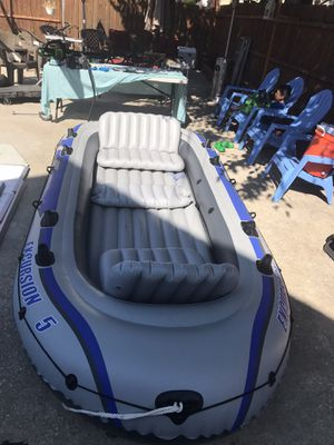 Inflatable Boat Intex Excursion 5 for Sale in Maywood, IL