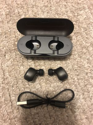Bluetooth wireless earbuds earphones headphones for Sale in Tampa, FL
