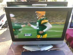 Panasonic 32 inch TV with remote control and HDMI port for Sale in Washington, DC