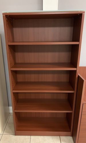 Cherry Bookcase with glass top for Sale in Orlando, FL