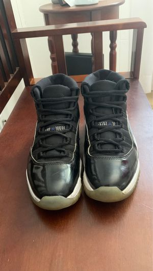 Jordan 11 retro space jams 2000 size 8.5 for Sale in Lowell, MA