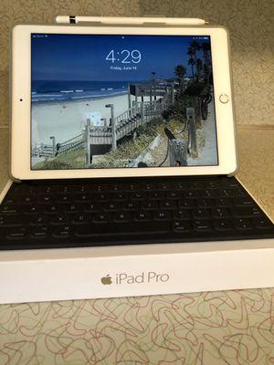 Apple iPad Pro 128 GB WiFi + Cellular, Apple Pencil, iPad Smart Keyboard Cover, Poetic Case for Sale in Wichita, KS