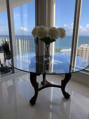 """60"""" inches Round Glass Table with Wood Base for Sale in Pompano Beach, FL"""