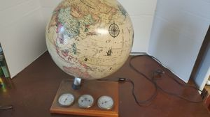 WORLD GLOBE VINTAGE WITH LIGHT for Sale in St. Petersburg, FL