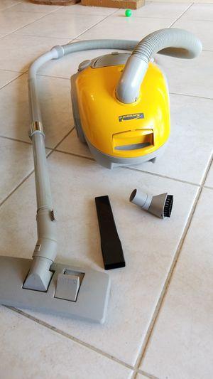 Kenmore vacuum for Sale in Tamarac, FL