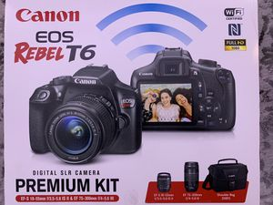 Canon EOS Rebel T6 DSLR camera with Canon 18-55mm and Canon 75-300mm Lens and Bag. for Sale in Miami, FL