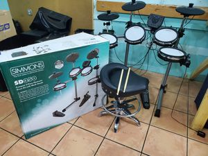 SIMMONS SD350 DRUM SET W/ CHAIR for Sale in Miami, FL