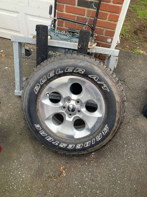 Jeep Wrangler rims and 1 tire 18 inch rim great rims great condition for Sale in Yonkers, NY